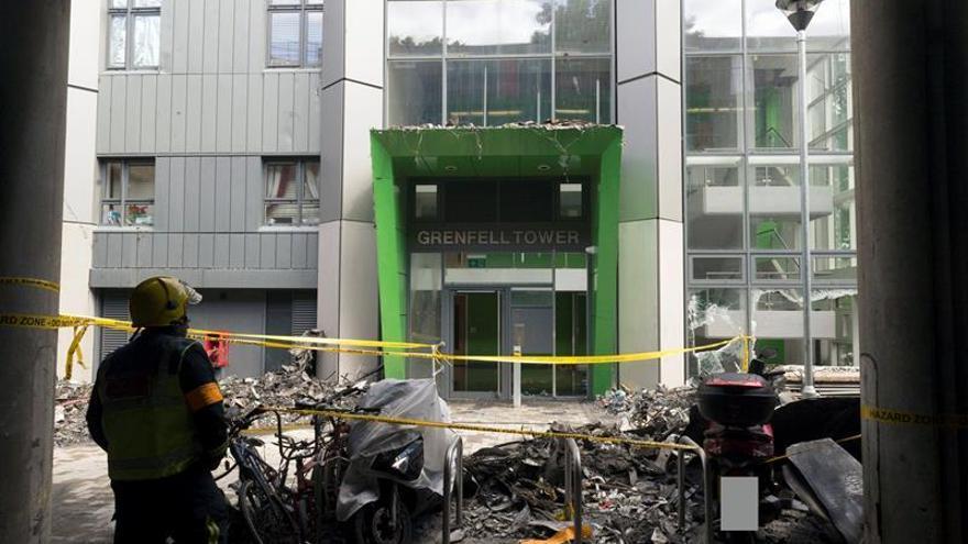 Se eleva a 79 el número de muertos o desaparecidos en el incendio de Londres