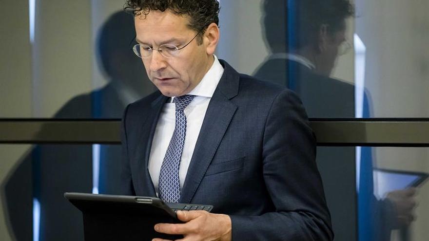 Dijsselbloem se ofrece a acudir al próximo pleno del Parlamento Europeo