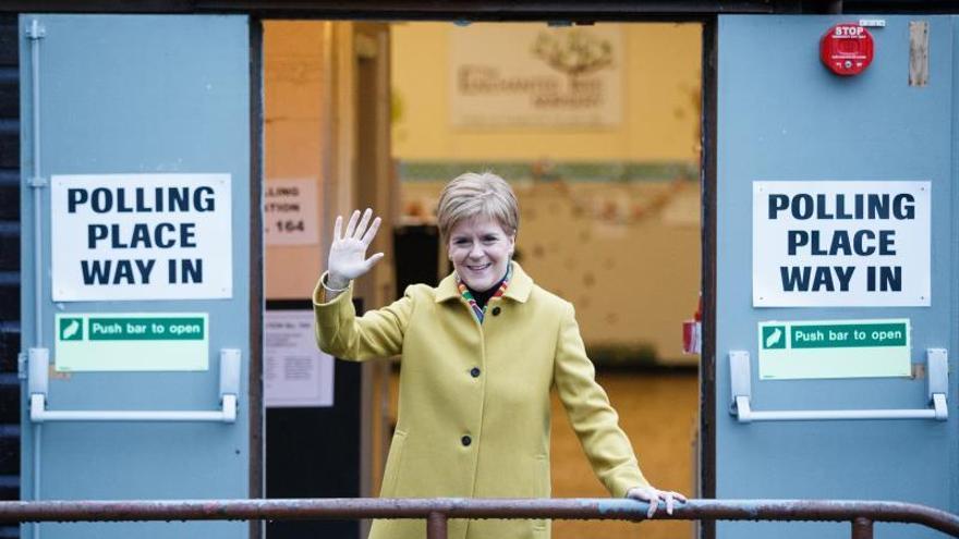"""Sturgeon: los resultados del SNP mandan """"un mensaje claro"""" sobre el referendo"""