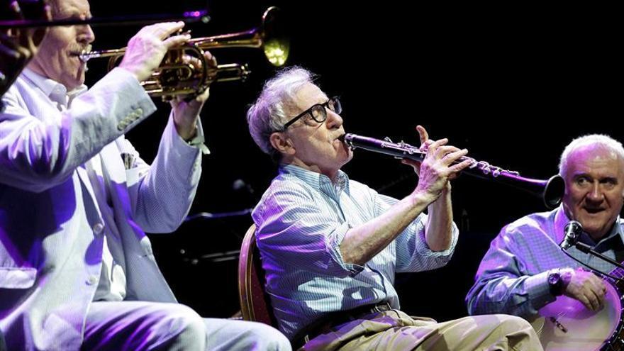 El jazz improvisado de Woody Allen y su banda encandilan Cap Roig