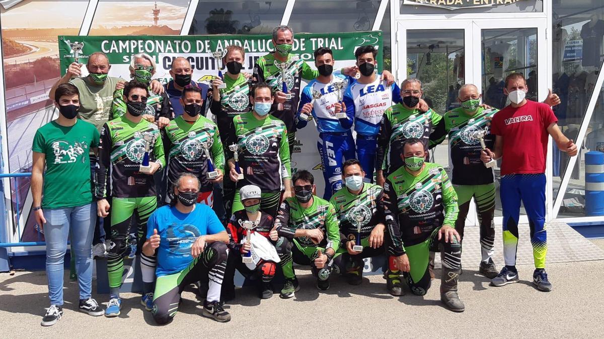 Componentes del Motoclub Posadas en el Andaluz de Trial.