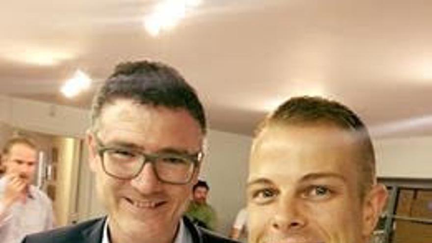 Köppe con el diputado  de la CDU Stefan Kaufmann. Foto: imagen cedida.