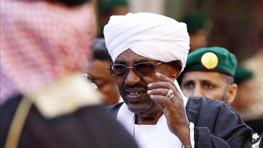 Al Bashir insta a los rebeldes de Darfur a unirse al proceso de paz