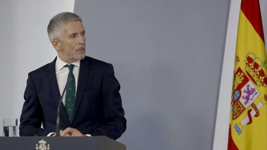 Marlaska desvincula el cese de De los Cobos del informe sobre el 8M