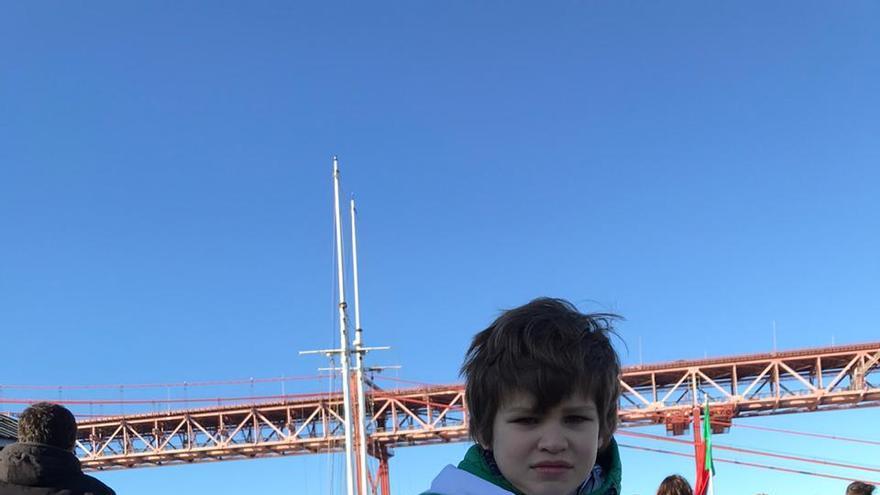 Niño espera a Greta en la Cumbre del Clima