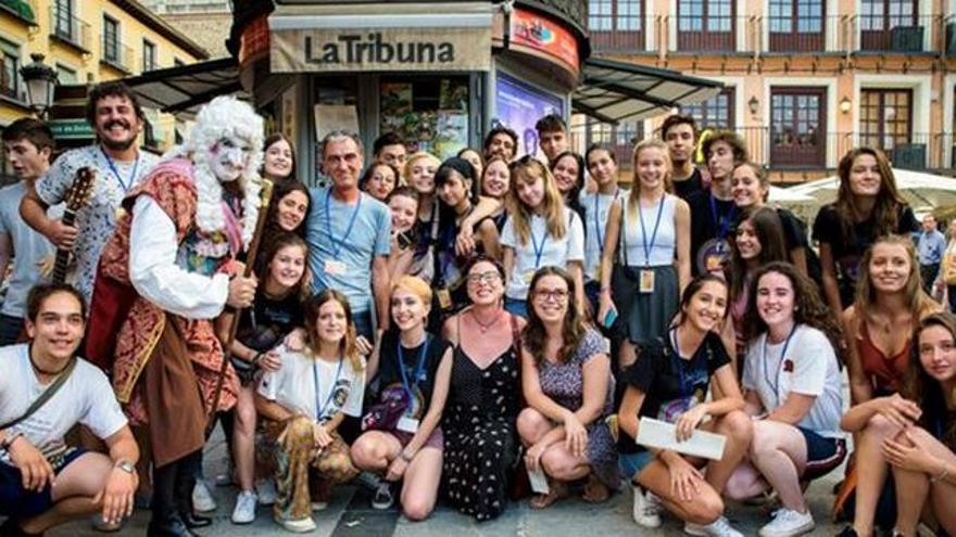 Fragmento del cartel del I Encuentro de Poetas y Voluntarios Jóvenes del Festival Voix Vives