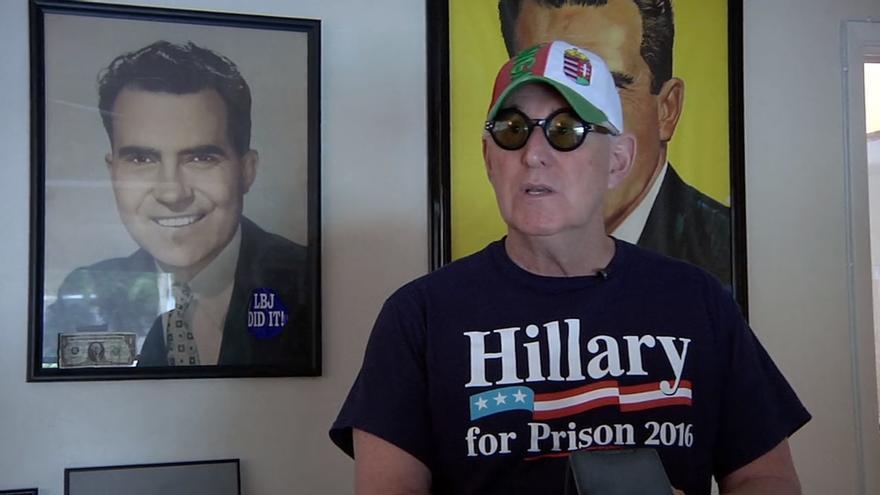 El asesor político Roger Stone durante el documental