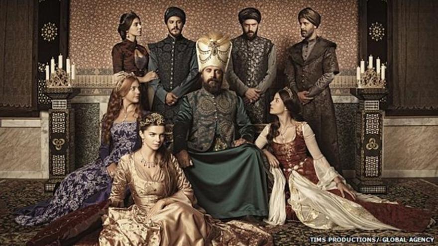 Muhtesem Yuzyil (El siglo magnífico) es la serie turca sobre el imperio otomano que ha conquistado occidente