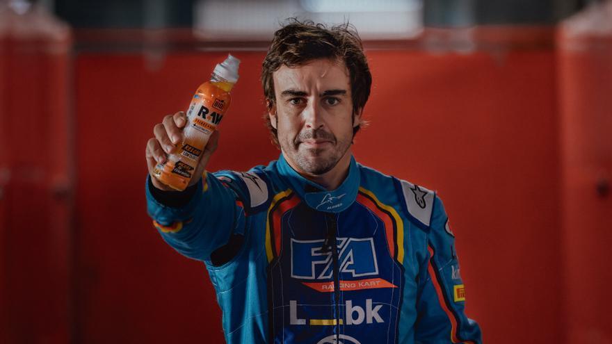 Fernando Alonso, embajador y accionista de Raw Sport Drink