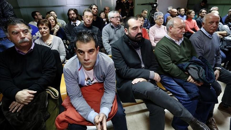 Los testigos de la defensa contradicen la versión de los antidisturbios