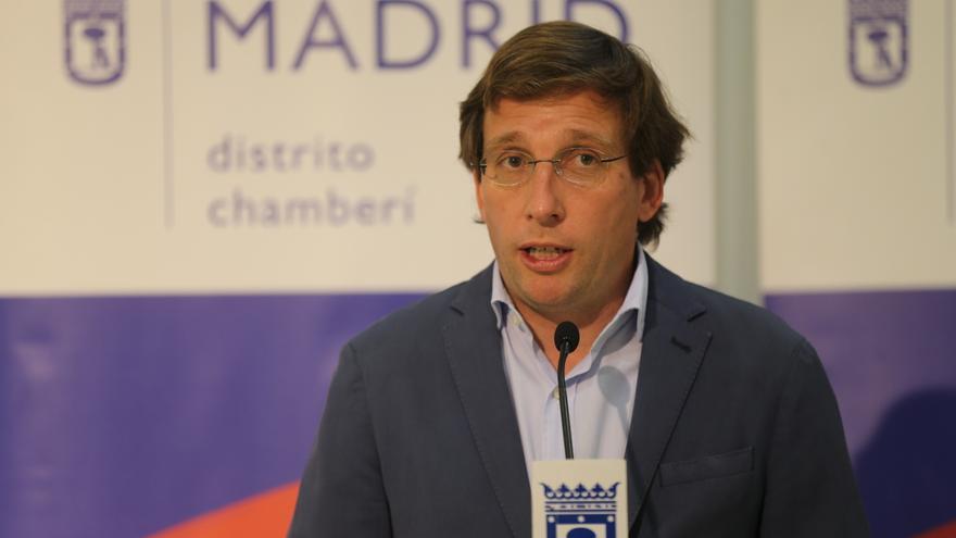 El alcalde de Madrid, José Luis Martínez-Almeida, interviene durante el acto de descubrimiento de la nueva denominación del Teatro Galileo, a 23 de junio de 2021, en Madrid, (España).