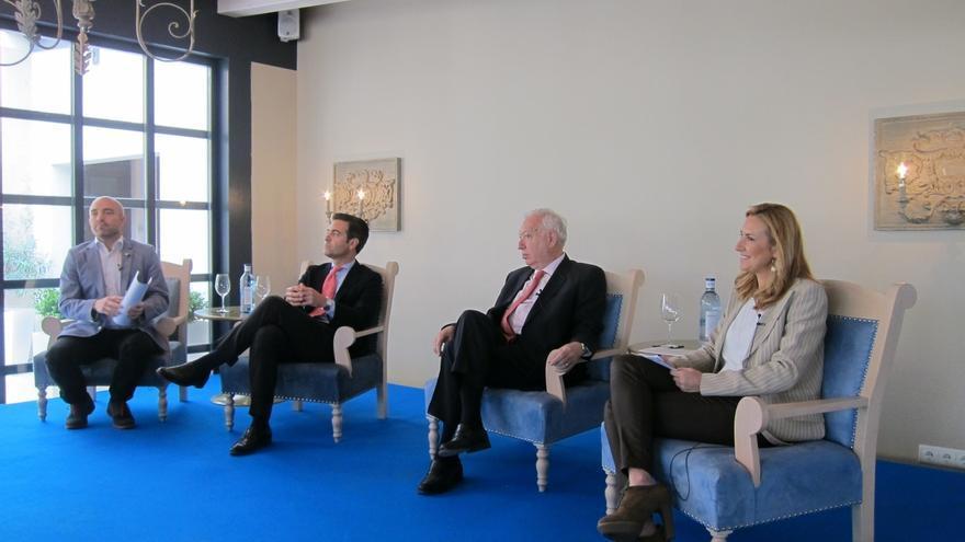 """García-Margallo dice que se hará """"lo posible"""" en Nepal por localizar a españoles """"mientras haya un gramo de esperanza"""""""