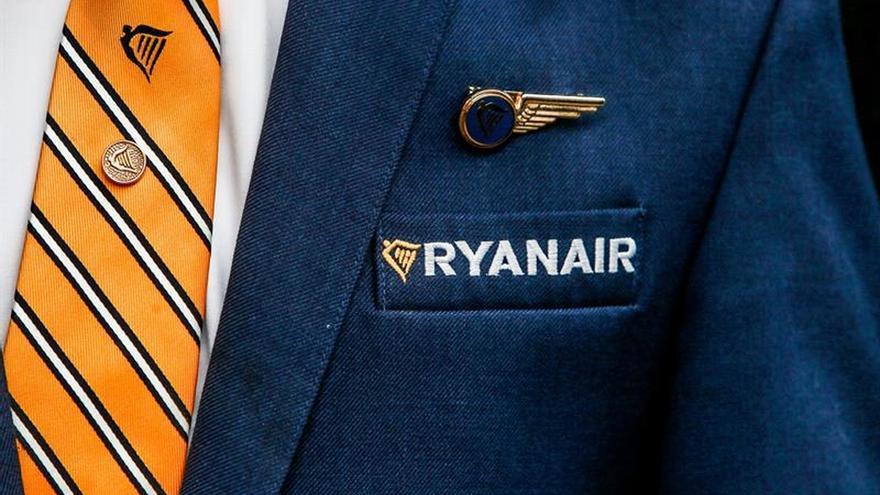 Asociación europea de pilotos pide a Ryanair parar el cierre de varias bases
