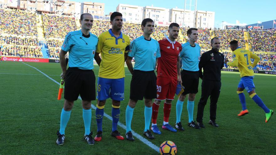Imagen del partido entre la UD Las Palmas y el Sevilla FC. Alejandro Ramos.
