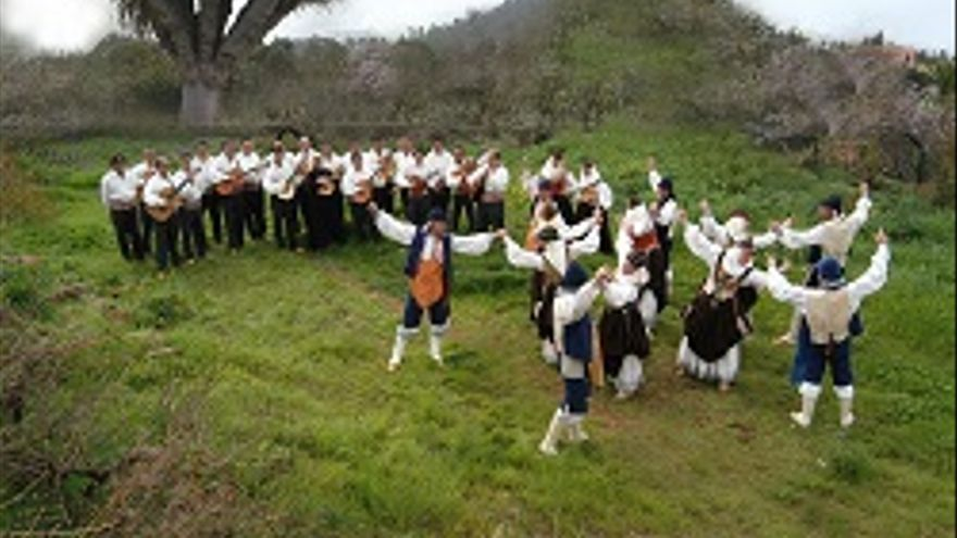 Agrupación folclórica Cumbre Nueva.