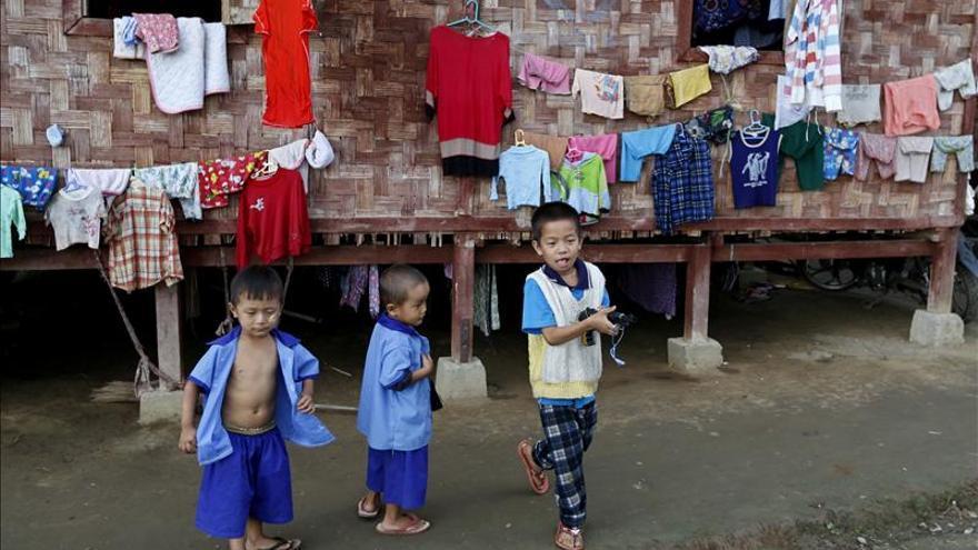 El Ejército birmano libera a 80 niños soldados, como parte de un acuerdo con Unicef