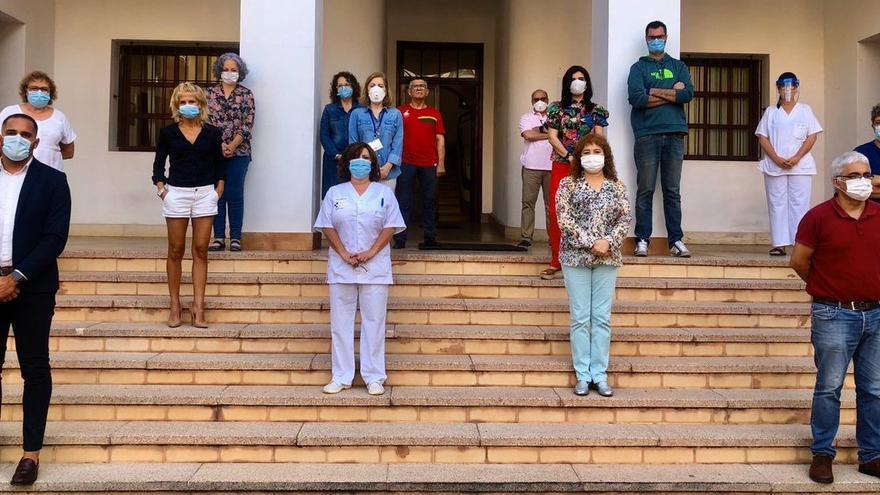 Minuto de silencio por las víctimas de la pandemia en el Área de Salud de La Palma.