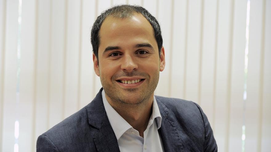 """Aguado cree que """"no hay que tener miedo a reformar la Constitución"""" dentro de la soberanía nacional"""