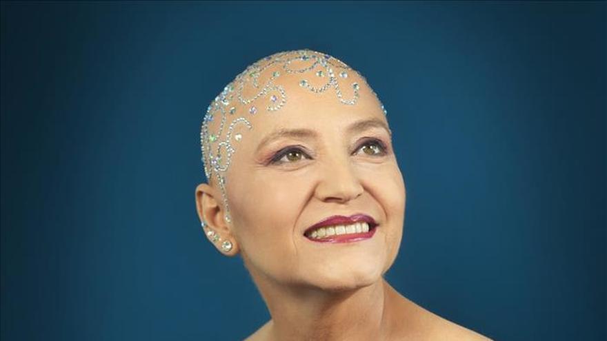 La guitarrista Berta Rojas animará con su nueva imagen en los Grammy Latino a no ocultar el cáncer