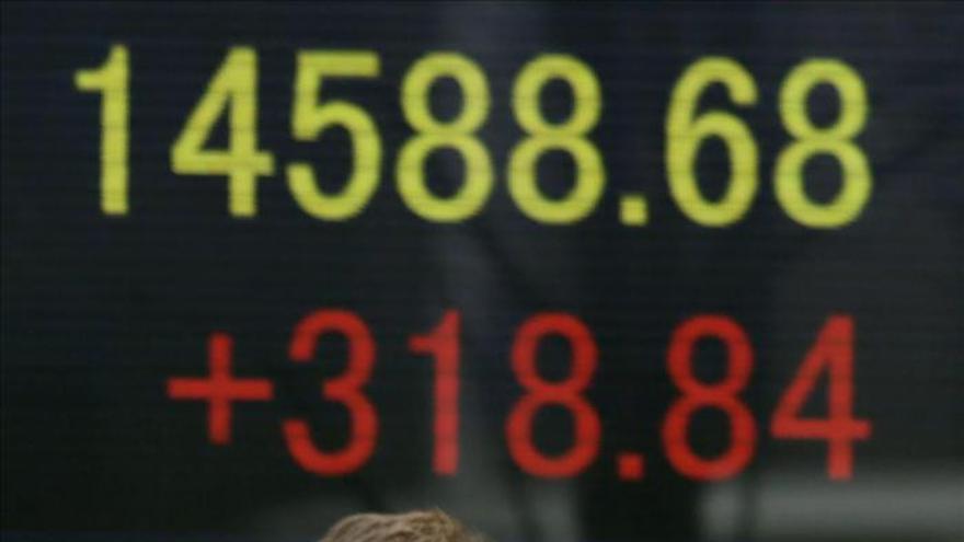El Nikkei sube 158,13 puntos, el 1,06 por ciento, hasta los 15.034,54 puntos