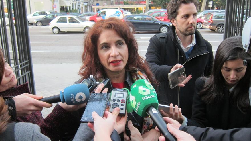 Junta de Andalucía mantendrá 35 horas presenciales y computará tareas en ámbito doméstico para llegar a 37,5 horas