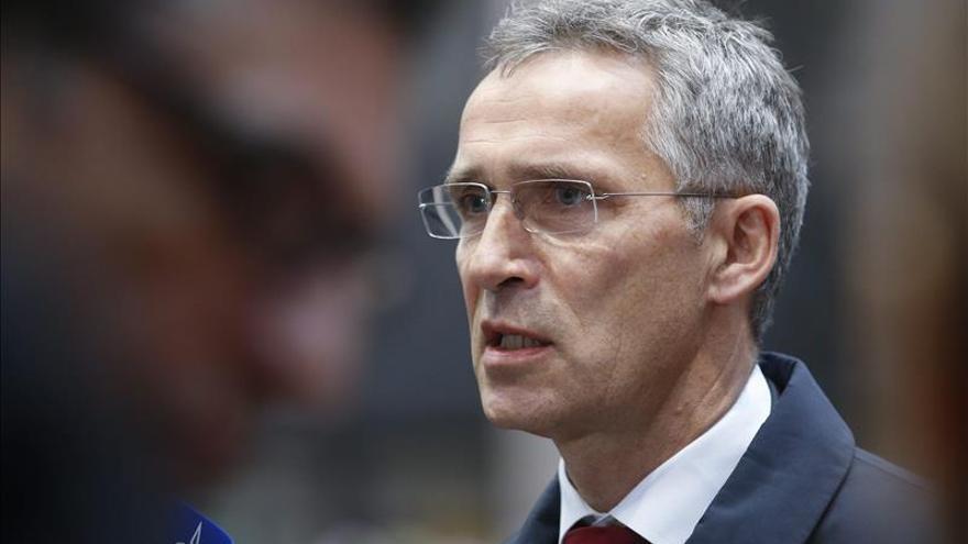 La OTAN dice que los aliados han ofrecido ayuda a Francia, sin invocar defensa mutua
