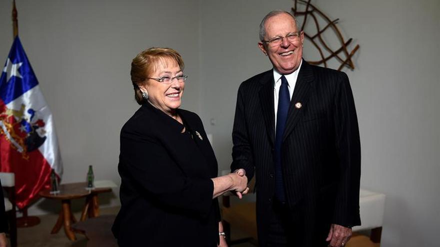 Bachelet y Kuczynski se reúnen por primera vez desde las elecciones en Perú