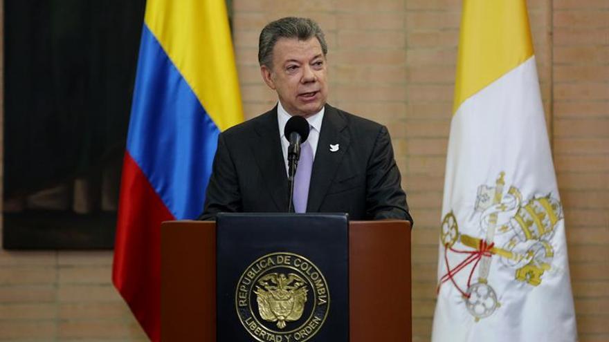 Santos dice que respeta la democracia y la independencia de los poderes públicos
