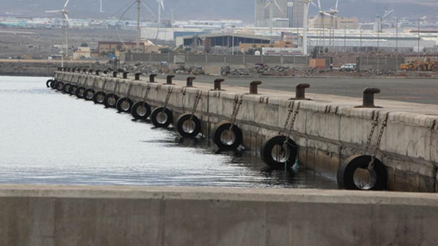 Muelle sin movimiento portuario. (QUIQUE CURBELO)