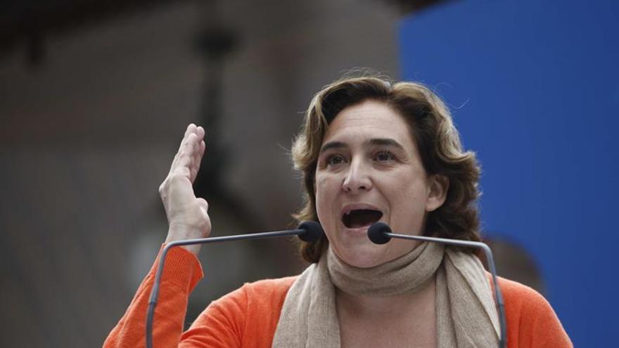 Colau reafirma lealtad al Parlament, que representa voluntad de los catalanes