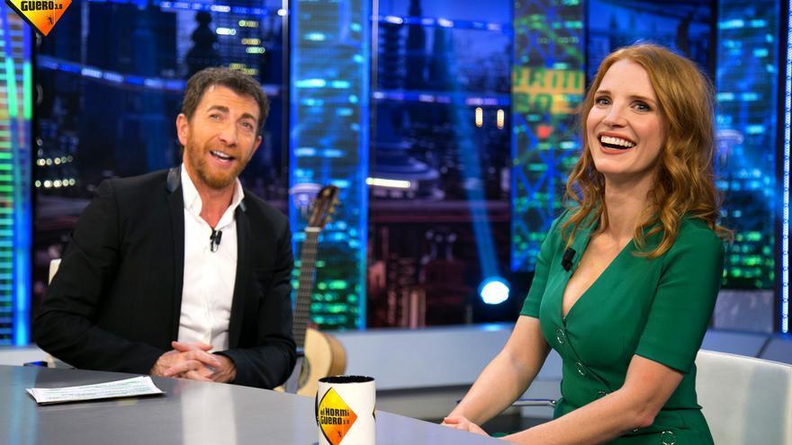 'El Hormiguero'enseña a la estrella Jessica Chastain a hablar en vasco