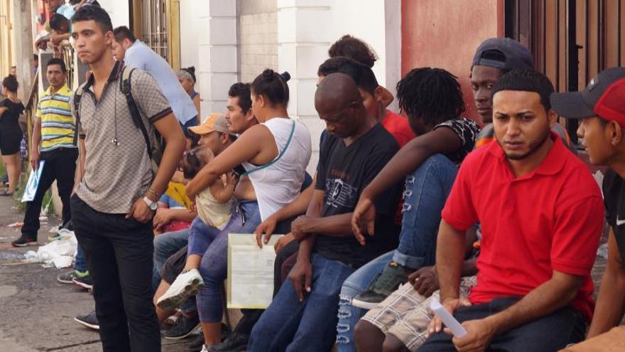 Aerolínea mexicana ofrece vuelos a 1 dólar para la repatriación de migrantes