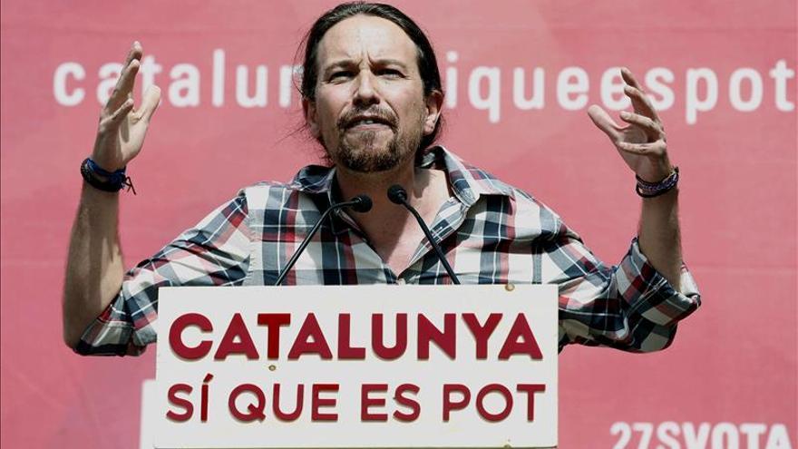 Iglesias critica a quienes dividen Cataluña y llama señoritos a Mas y Rivera