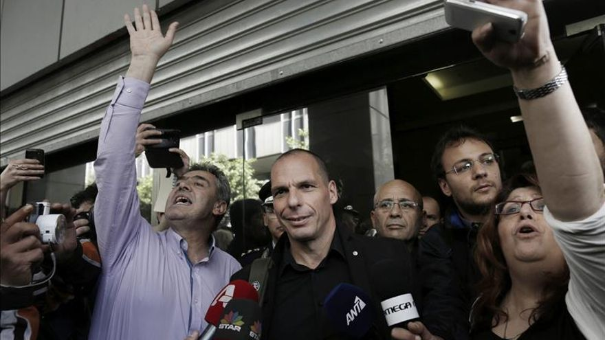 El Gobierno griego sale a la calle con los ciudadanos para reclamar el fin de la austeridad
