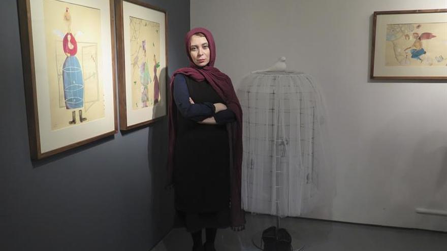 La hija de líder opositor preso expone su dolor en Teherán