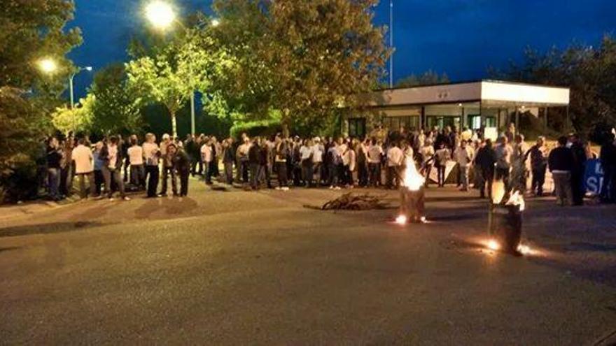 Huelga Elcogas 1 de Octubre. Foto: @monica_sendino | Twitter