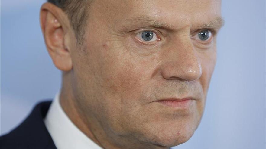 Tusk insta a los Veintiocho a aceptar la redistribución de 100.000 refugiados