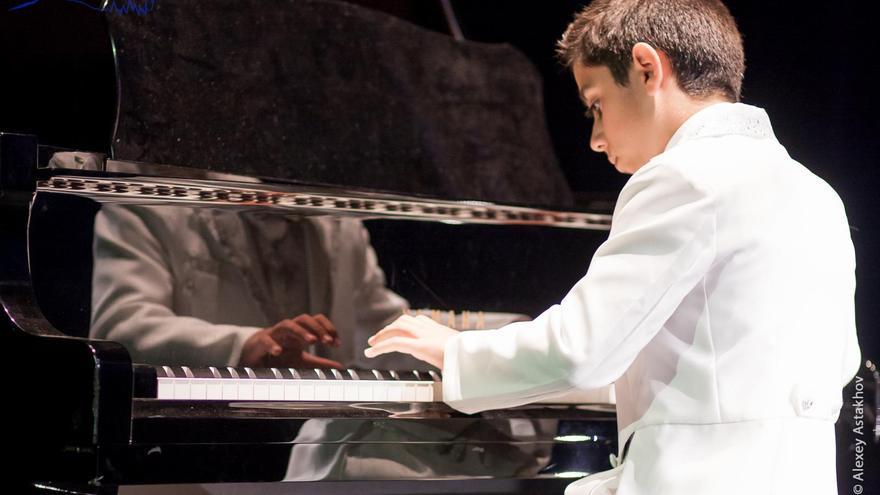 Alberto González Alcaide, alumno del aula de piano moderno de la Asociación Academia de Instrumentos Musicales CajaCanarias.