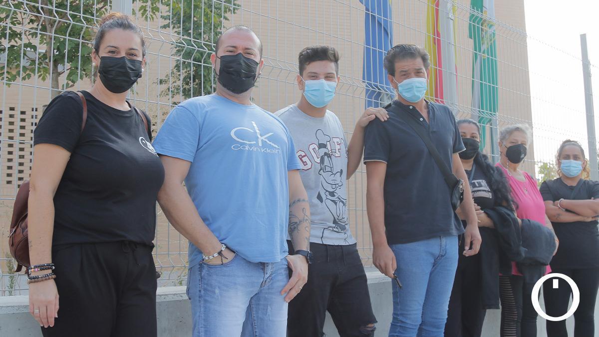 Protesta de padres y madres de alumnos del Colegio Turruñuelos
