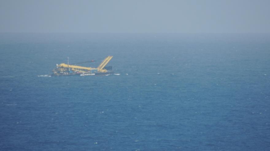 El supuesto avión accidentado en Gran Canaria es en realidad una embarcación.