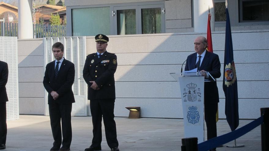 """Fernández Díaz dice que el Gobierno """"para nada"""" contempla el repliegue de las Fuerzas de Seguridad en Euskadi y Navarra"""