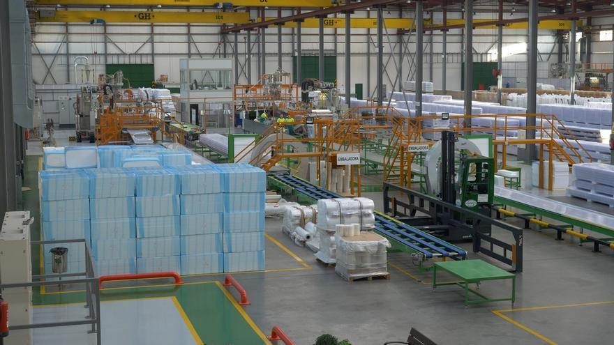 Polímeros Gestión Industrial cuenta en Córdoba con única planta de España que produce paneles de policarbonato