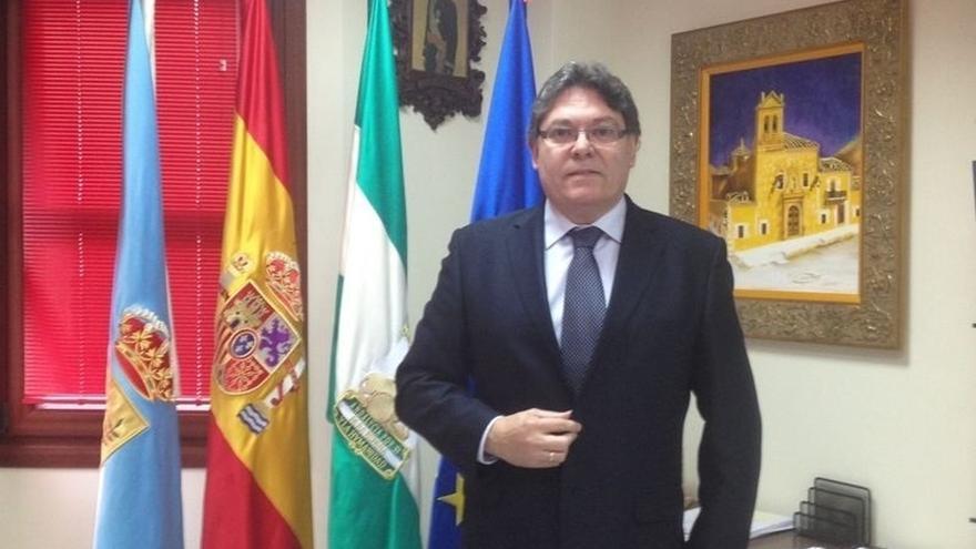 Abren juicio oral contra exalcalde de Albox acusado de gastar dinero público en viajes privados