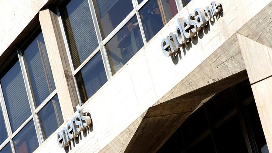 Registran las oficinas de endesa chile por denuncia a la for Oficinas de endesa en malaga