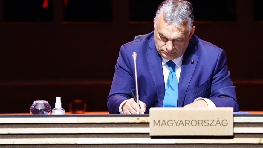 """La prensa oficialista húngara denuncia """"propaganda LGTB+"""" en redes sociales"""