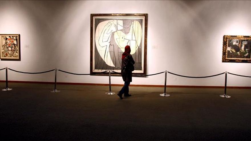 El arte sustituye a la publicidad comercial, religiosa y política en Teherán