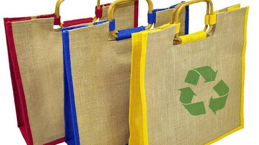 Bolsa de plástico, de papel o de tela: ¿cuál es (de verdad) más sostenible?