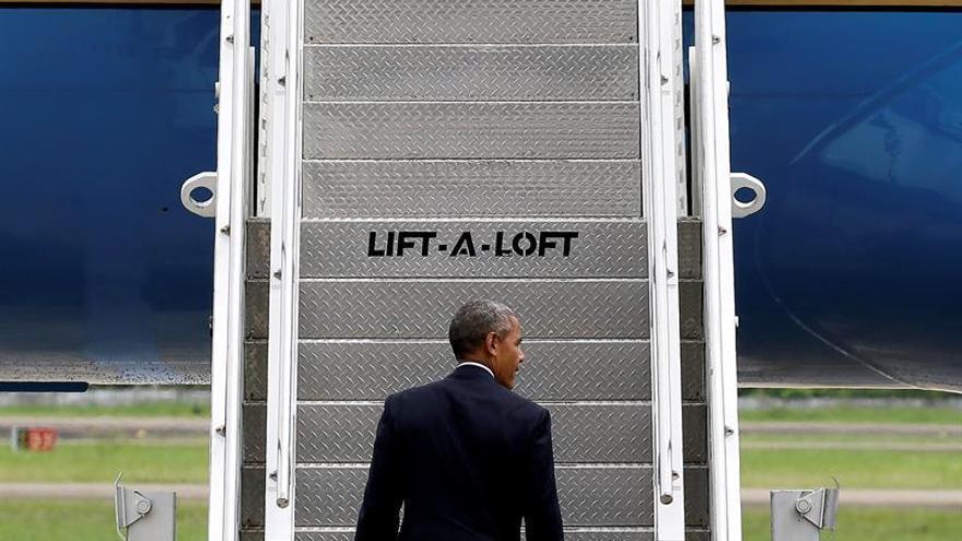 Obama visita a las víctimas de los bombardeos estadounidenses en Laos