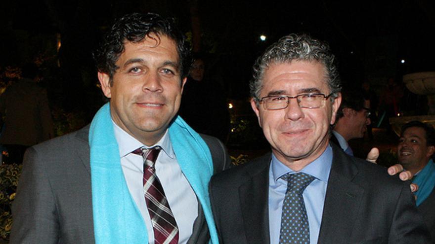 Francisco Granados y el alcalde de Collado Villalba, Agustín Juárez. / flickr de Francisco Granados