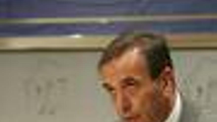 """Alonso cree normal que """"se saquen con consenso"""" los PGE de todas las instituciones"""